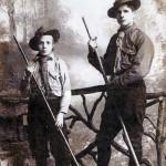 1919 Eclaireur et louveteau