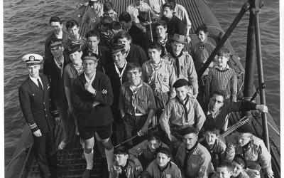 1970_env_scouts_marins_inconnus_sur_un_sous-marin_US_2-2