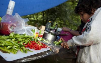 ns sizaine. Fin des Constructions bois pour le coin des sizaines et prŽparation du concours bouffe. Les sizaines se prŽparent ˆ cuisiner leur propre menu et termient la dŽcoration de leur sizaine.